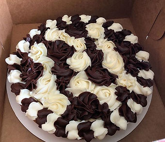 Chocolate%20Chip%20Cookie%20Cake%20with%20vanilla%20and%20chocolate%20buttercream%20%F0%9F%8D%AA_edi