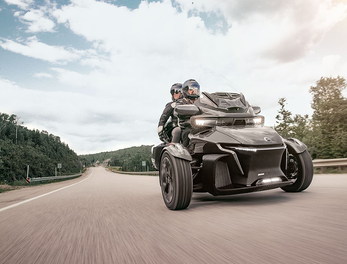 MY20-SPY-RT-Highway-Action-asphalt-grey-