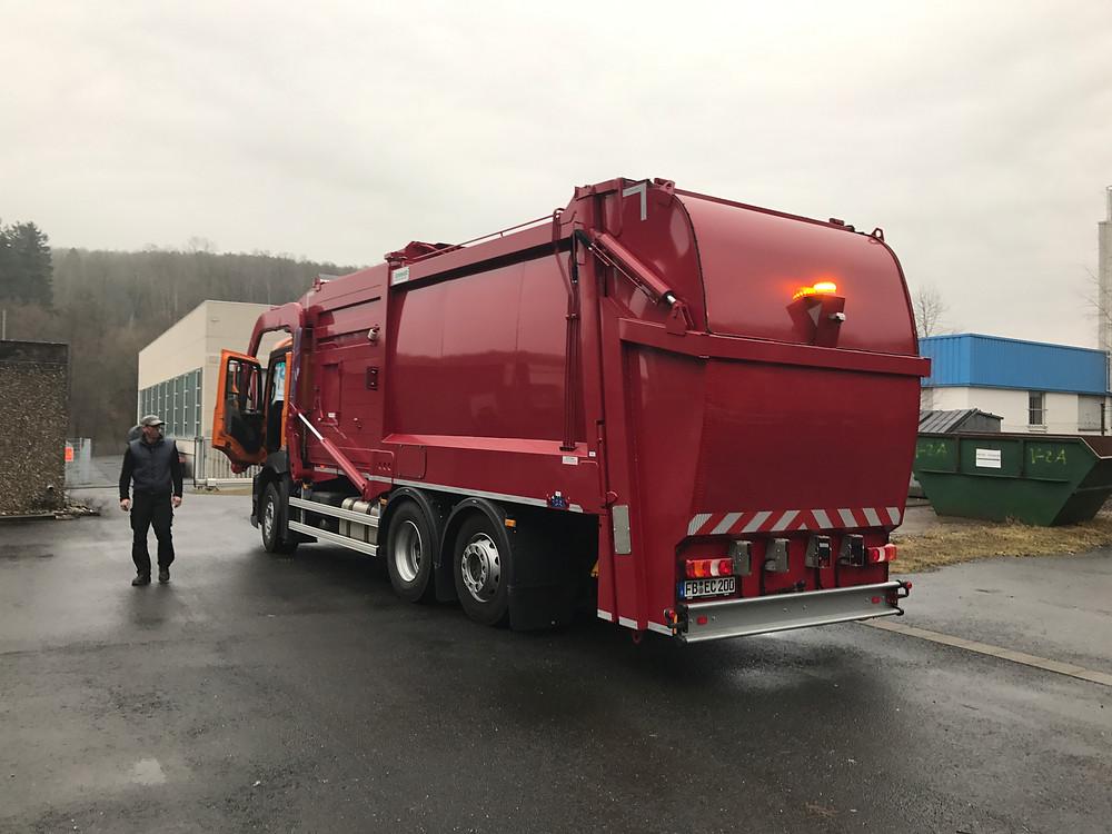 Vetters Container Service ausgestattet mit dem 3D-Rückfahrassistenten
