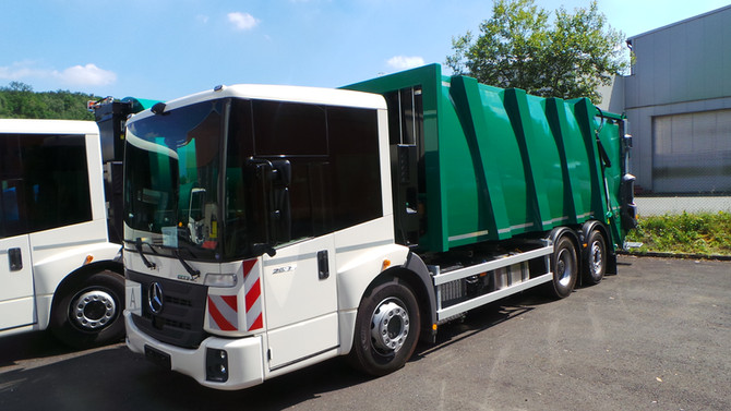 ASF nimmt neue neue rückfahr-gesicherte Müllwagen in Betrieb