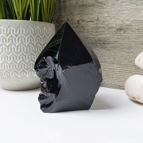 Black Obsidian Cut Base Polished Point