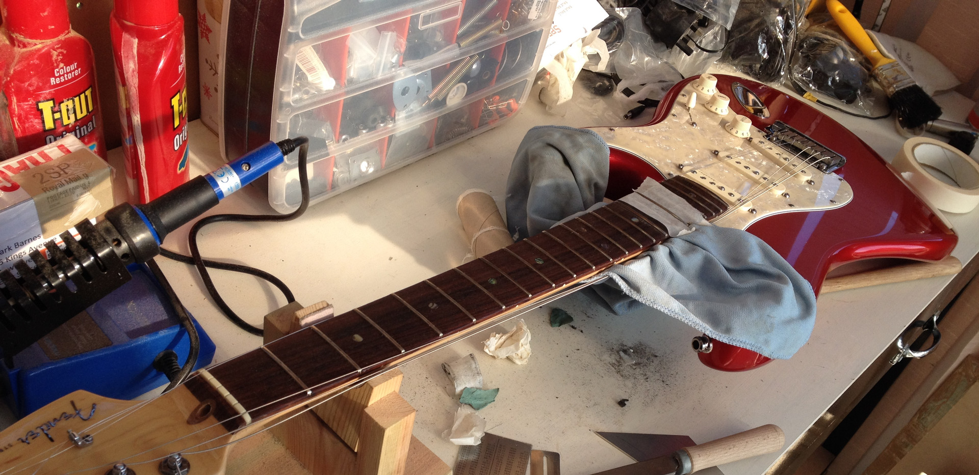 USA Strat fret repair