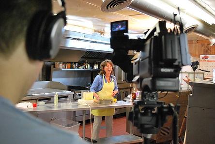 http://laurakurella.com/Laura Kurella Newspaper Food Columnist