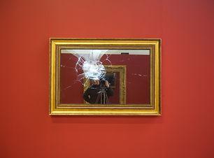 Broken mirror06.jpg