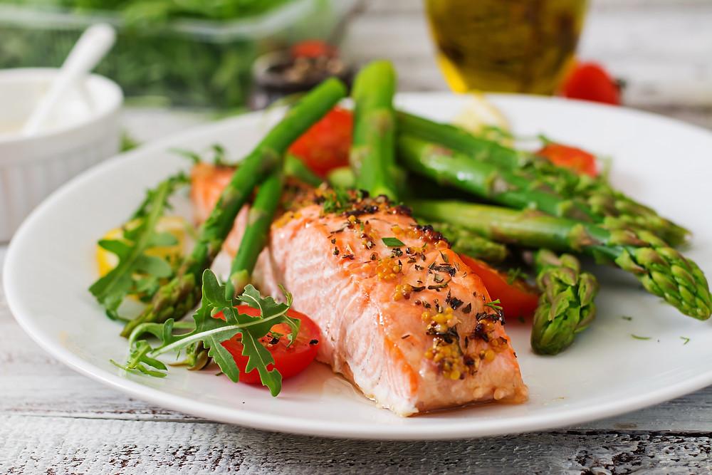 healthy salmon and asparagus meal