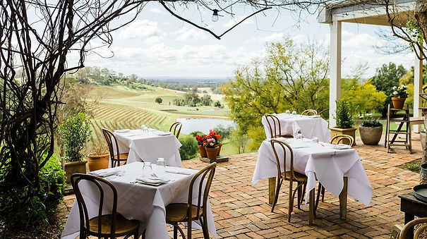 Dining-at-Bistro-Molines-overlooking-the