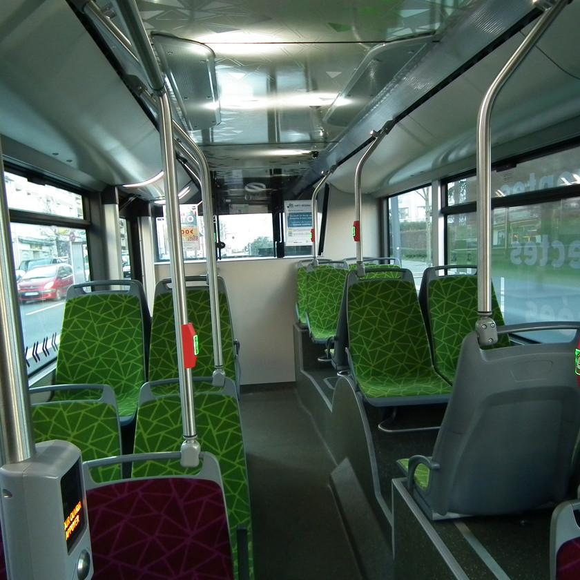 Trolleybus IMC Solaris Trollino Saint-Etienne interieur arrière