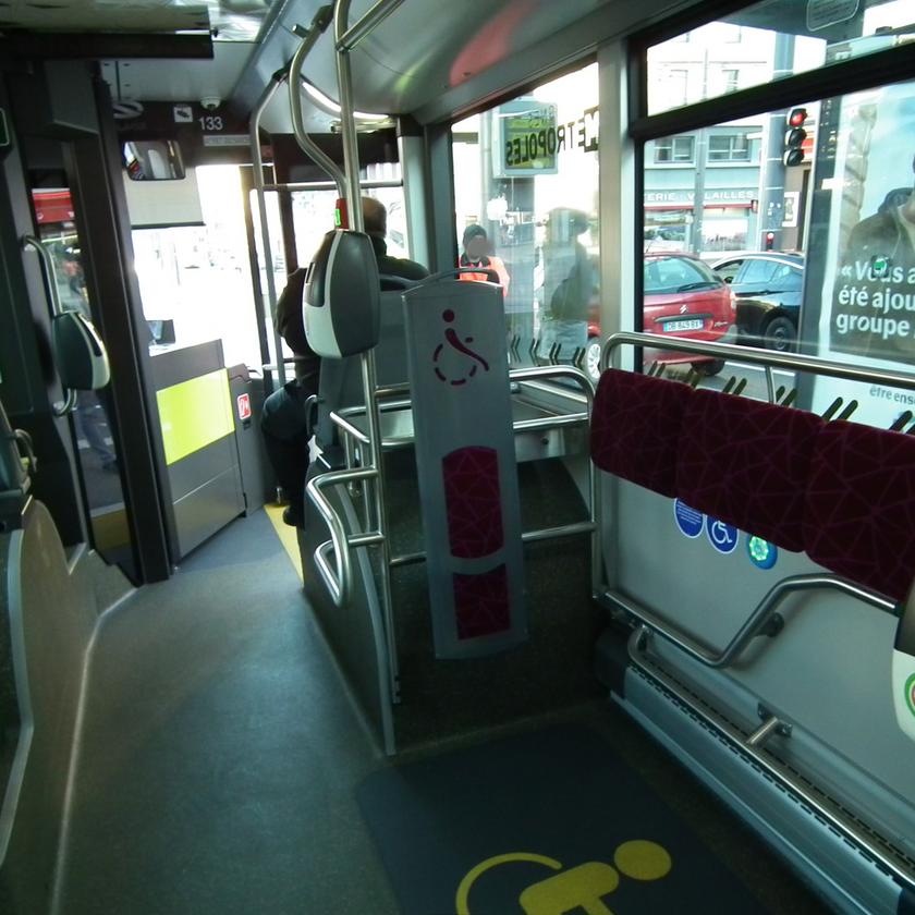 Trolleybus IMC Solaris Trollino Saint-Etienne intérieur