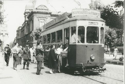 Saint-Etienne tramway J ancienne motrice jean jaurès