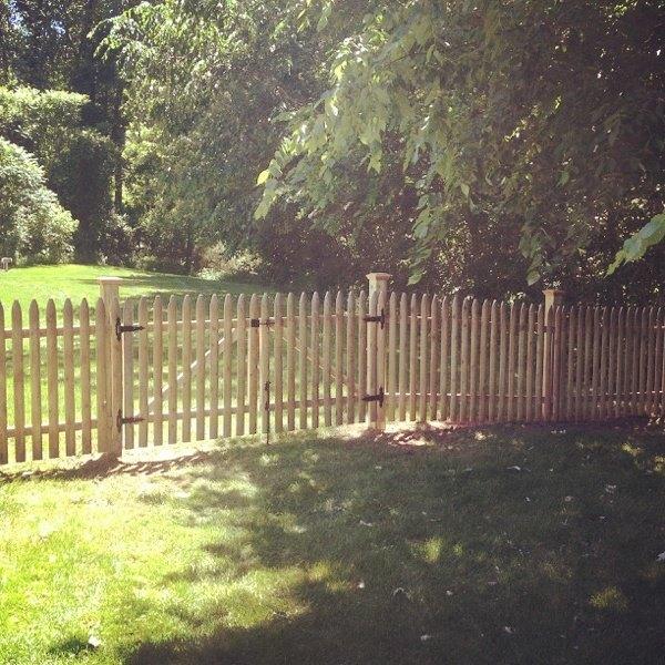 4'' cedar picket fence 3