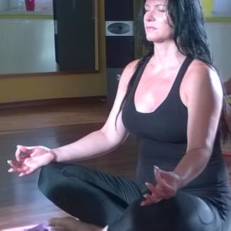 Jarmila Hamplová - lekce jógy