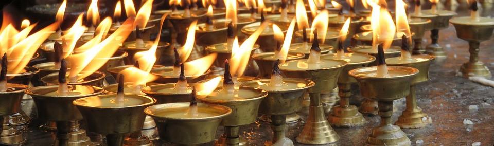 Bougies sur autel