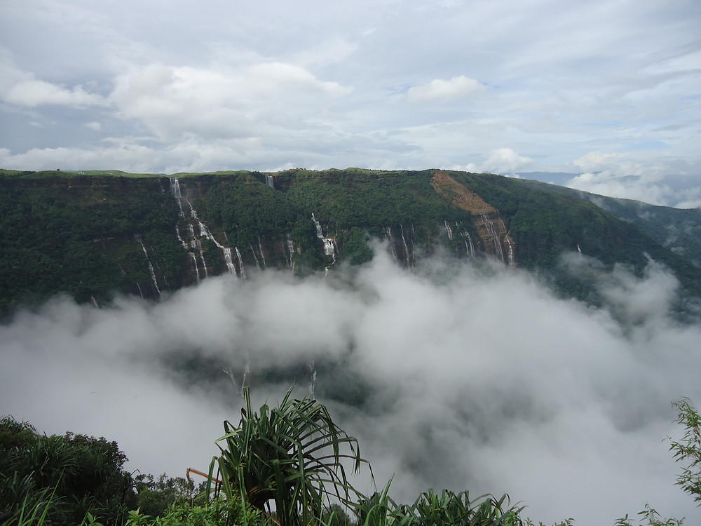The alluring view of Cheerapunji.