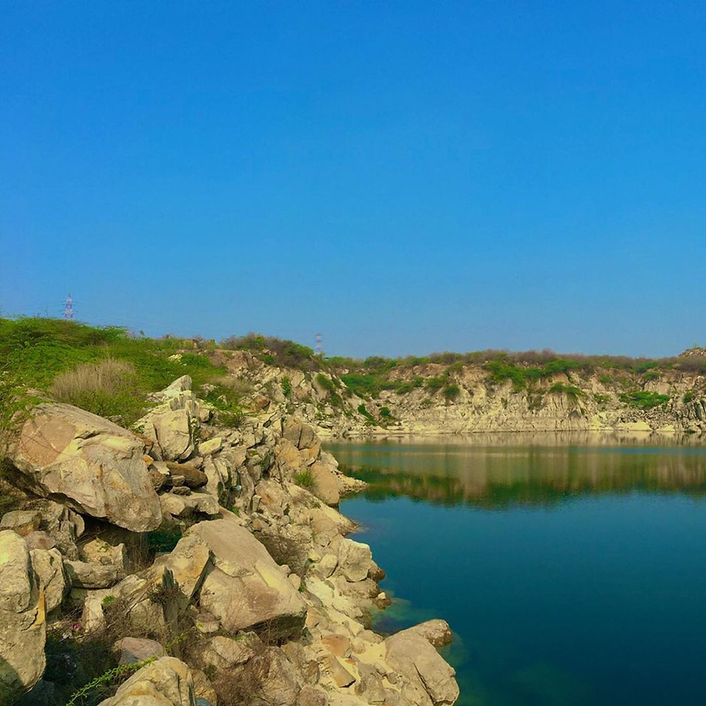 The winsome view of Bhardwaj Lake.
