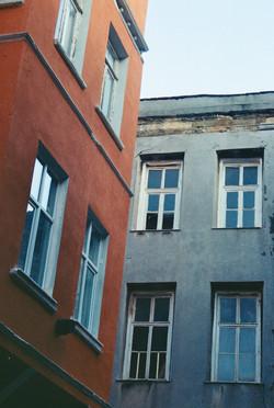 bromance façade