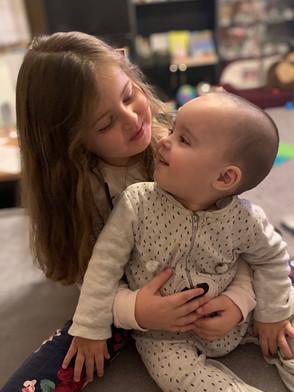 Alex so sestrou Eliškou