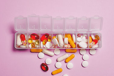 clear-plastic-container-and-medicine-cap
