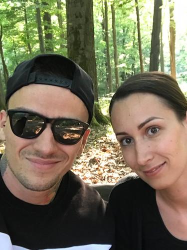 Viktor so sestrou Anikó