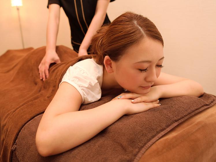 Relaxどんぐり|腰痛 肩こり 整体 マッサージ