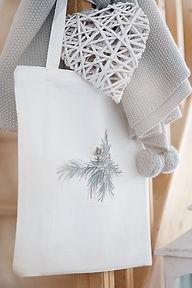 tote bag collection éphémère illustration de branches de sapin