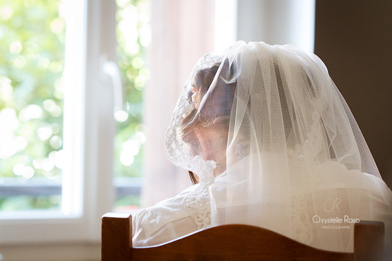 Mariée et son voile