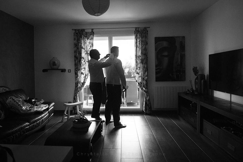 Habillage du marié et de son témoin