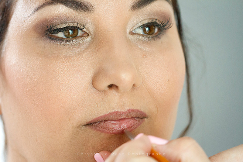 Préparatif maquillage de la mariée