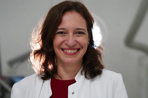 Dr. Manuela Reisbeck header.JPG
