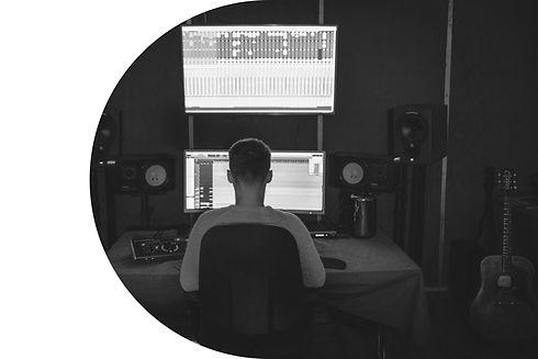 studio2ROUND.jpg