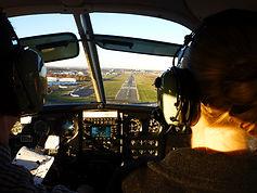 Runway landing TEB.jpg