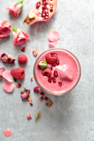 Rose, Raspberry & Pomegranate Smoothie