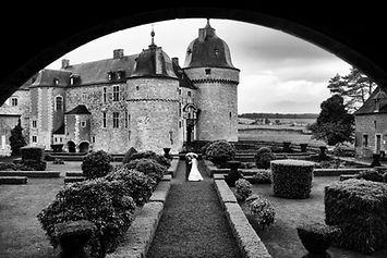 Le Château de Lavaux-Sainte-Anne, un endroit exceptionnel pour votre mariage, des locations de salles en Belgique entre Bruxelles et le Grand-Duché du Luxembourg. Des conseils personnalisés et des prix doux.