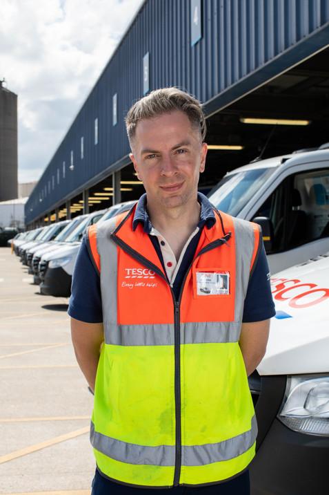 ANDREW ELLIS (Lighting Designer - Delivery Driver)