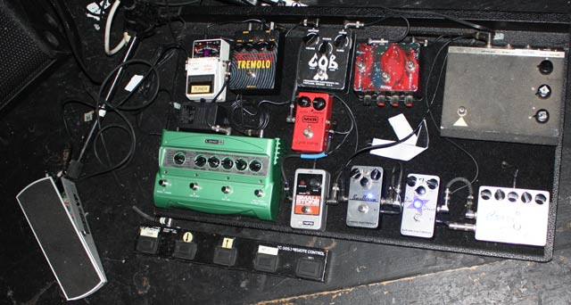 A whole set of Pedalboard put together by Charlie Sexton. 11 Pedals on the board.