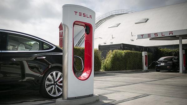 Tesla-Model-3-charging-at-V3-Supercharge