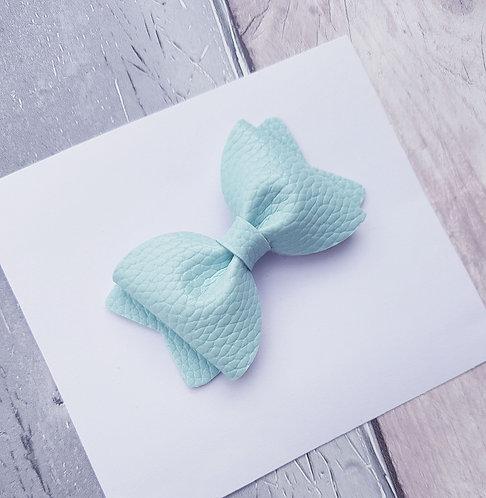 Mint pinch bow