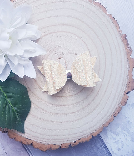 Pastel yellow lace glitter Dolly bow