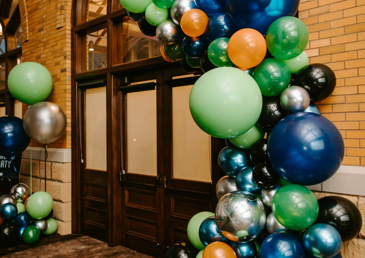 Balloon Arch AVI