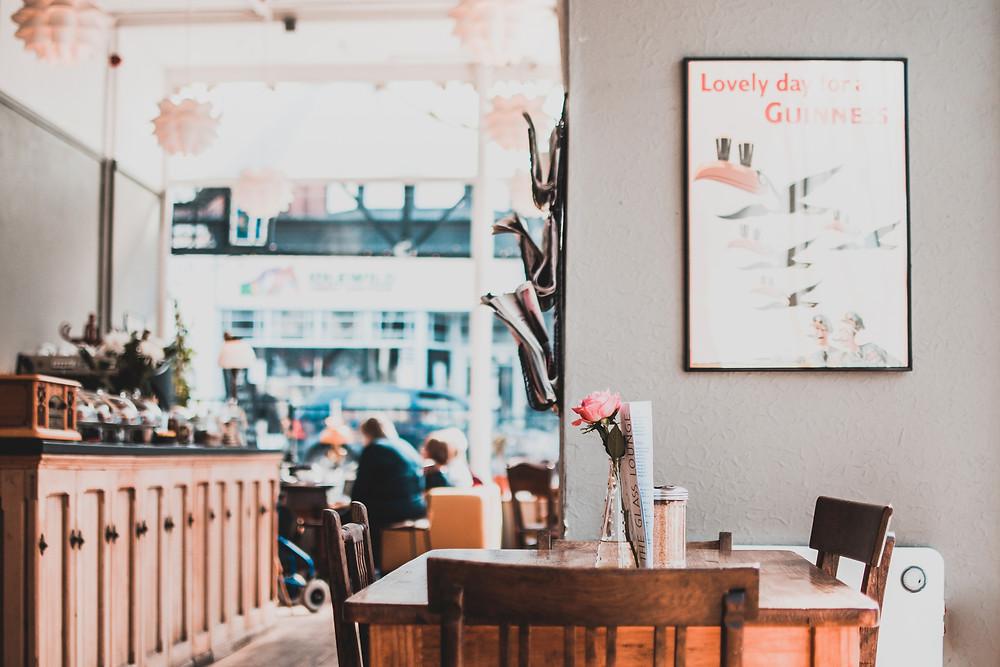 Coffee Shop Lisa Indever
