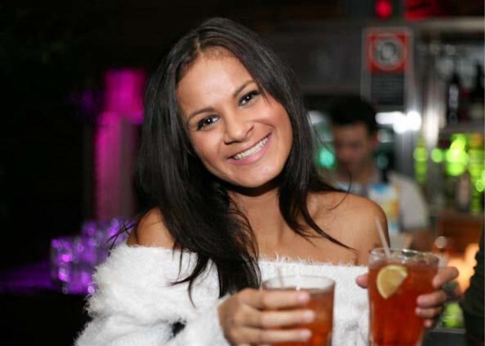 binge-drinking-woman