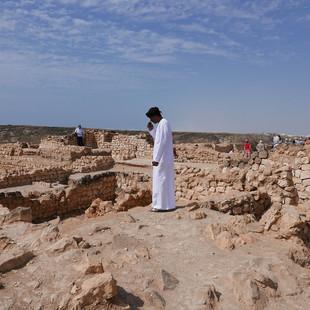 Sumhuram_ruïnes,_Dhofar,_Oman.JPG
