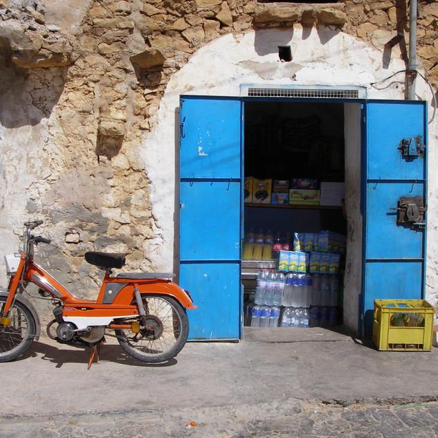 Winkeltje bij Qsar Azzahra.JPG