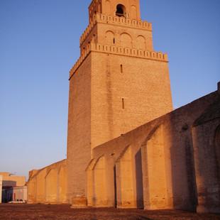 Minaret grote moskee (Sidi Okba moskee).