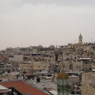 Wandeling over de stadsmuur van oud-Jeruzalem.JPG