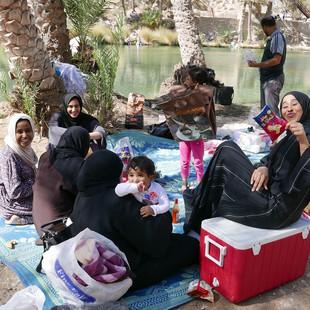 Picknicken bij Wadi Bani Khalid, rondreis Oman Saffraan Reizen.JP