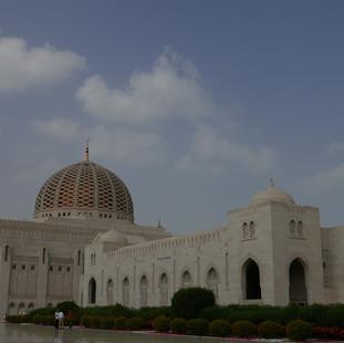 Sultan Qabus moskee in Muscat, rondreis Oman.JPG