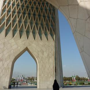 Rondreis Iran Saffraan Reizen Vrijheidstoren Teheran.JPG