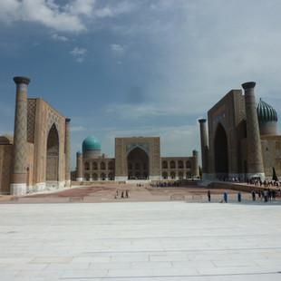 Registan Samarkand rondreis Oezbekistan Saffraan Reizen.JPG