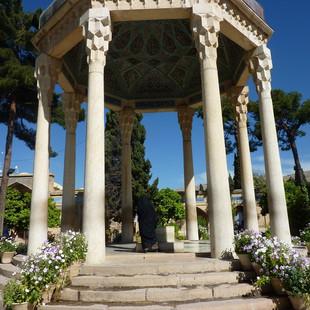 Mausoleum Hafez dichter Iran.JPG