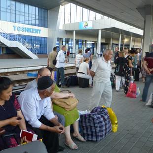 Met de trein van Tashkent naar Khiva.JPG